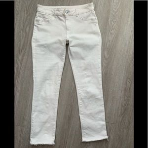 DL1961 Mara straight ankle Oakley 27 white jeans